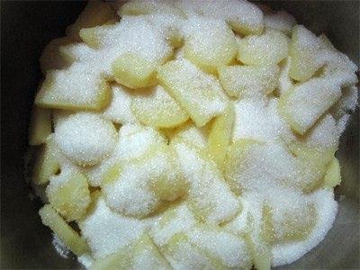 Cach lam mut khoai tay - ngâm đường với khoai tây