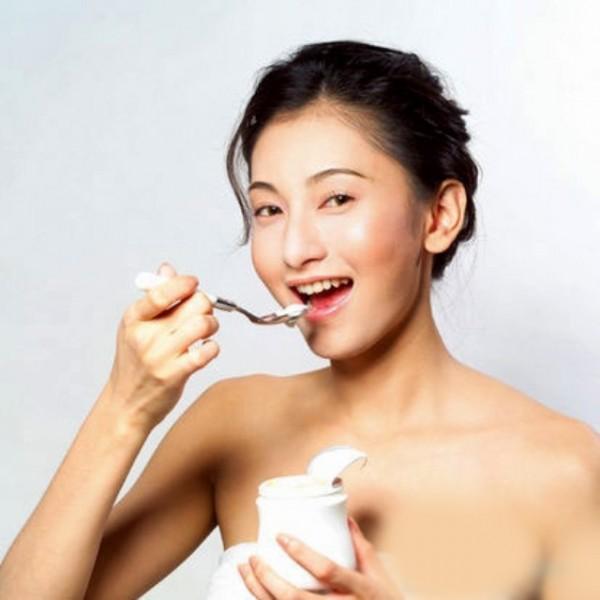 Trộn dầu dừa với sữa chua rồi cho vào tủ lạnh và ăn giúp giảm cân hiệu quả