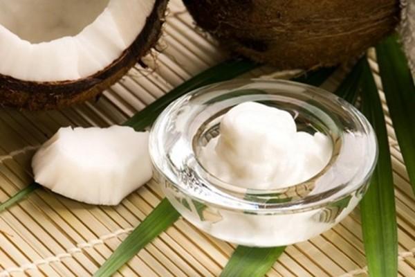 Cách dưỡng da mặt kết hợp dầu dừa và sữa chua - cách dưỡng da bằng dầu dừa