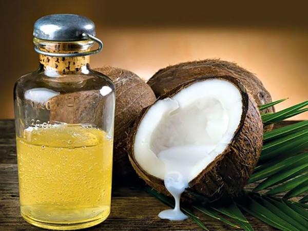 Sử dụng dầu dừa dưỡng tóc hiệu quả nhất - dưỡng tóc bằng dầu dừa