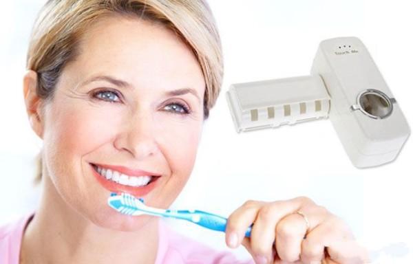 Đánh răng quá mạnh dẫn đến viêm nướu - đau răng