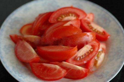 cach nau bun rieu cua- Cà chua cắt mũi cau