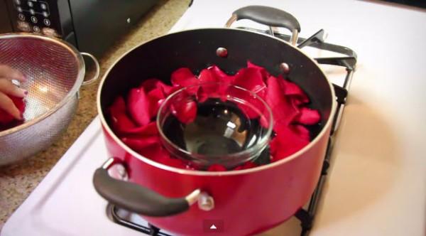 nuoc hoa hong - Tự làm nước hoa hồng tinh khiết tại nhà