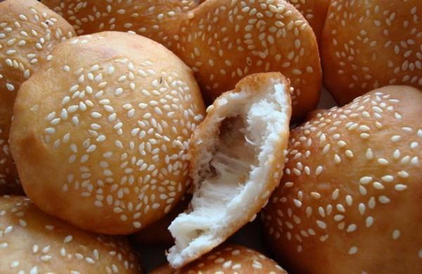 Bánh tiêu thơm ngon, nóng hổi - cách làm bánh tiêu ngon nhất tại nhà