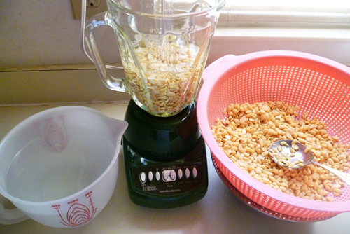 đường nho - Sử dụng máy xay sinh tố để xay đậu nành