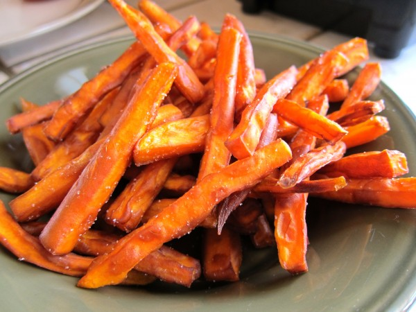 Cách làm khoai lang chiên ngào đường ngọt thơm, béo bùi - khoai lang chien