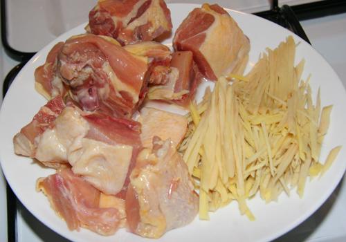 gà kho gừng - Nguyên liệu cần có để nấu gà kho gừng
