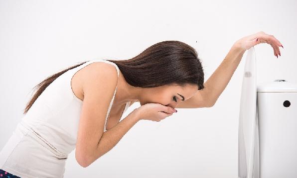 Dấu hiệu mang thai tuần đầu: Luôn trong tình trạng mắc ói (nôn) - dấu hiệu mang thai sớm nhất