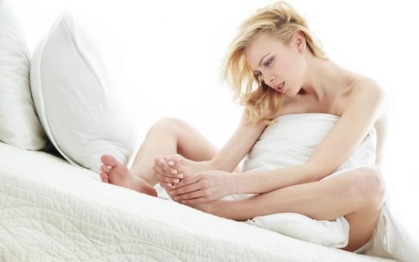 Trước ngày sinh mẹ sẽ thường xuyên gặp phải các cơn đau lưng cũng như chuột rút - Dau hieu chuyen da