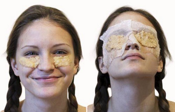 Đắp hỗn hợp lên vùng mắt và thư giãn từ 20 - 30 phút - Cách đặt nạ khoai tây