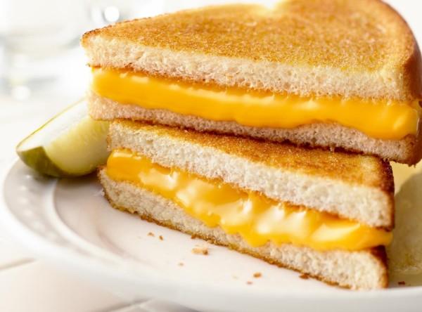 Sandwich kẹp trứng và phô mai - bánh mì sandwich