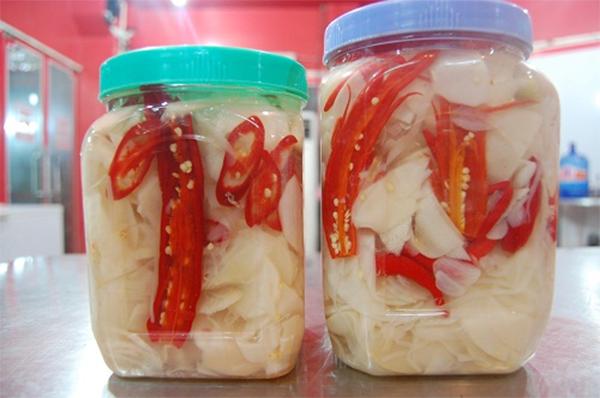 Cách làm măng ớt tại nhà cay giòn cực ngon - cách ngâm măng ớt