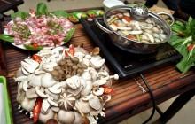 Cách nấu lẩu nấm thơm ngon hấp dẫn ngay tại nhà