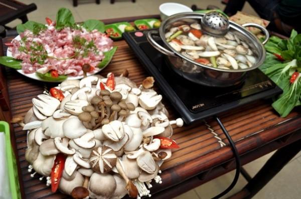 Cách nấu lẩu nấm thơm ngon hấp dẫn ngay tại nhà - Cach nau lau nam