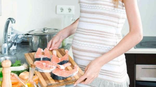 Cá tươi - bà bầu nên ăn gì trong 3 tháng đầu - co thai khong nen an gi