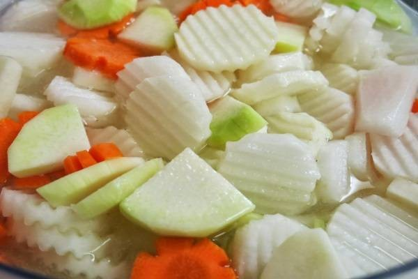 Đu đủ, cà rốt, su hào cắt thành lát mỏng - cách làm dưa góp