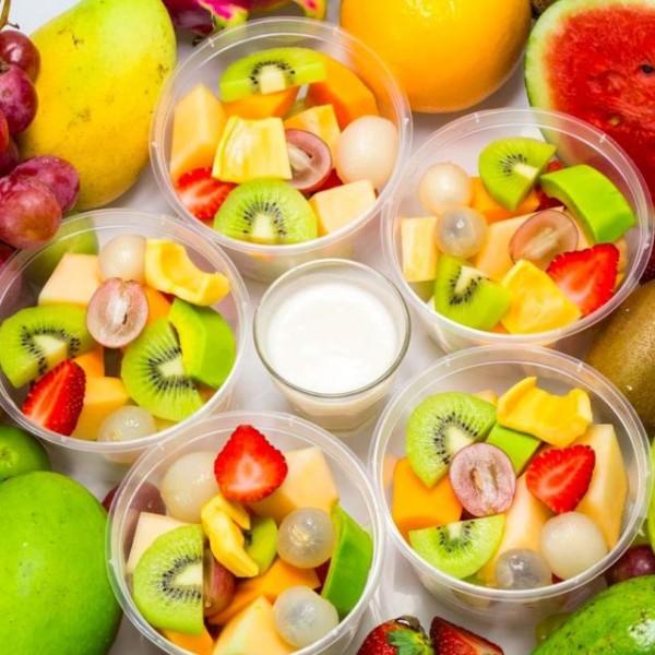 Hoa quả dầm là món ăn tủ của nhiều tín đồ ăn vặt - cách làm hoa quả dầm
