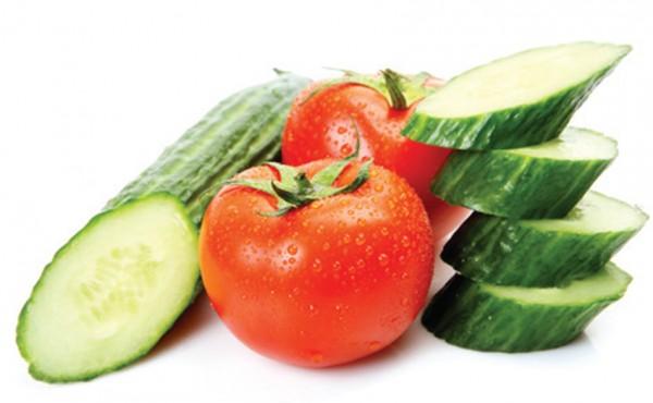 Cà chua, dưa chuột dùng để ăn ghém - cách làm tôm nướng muối ớt