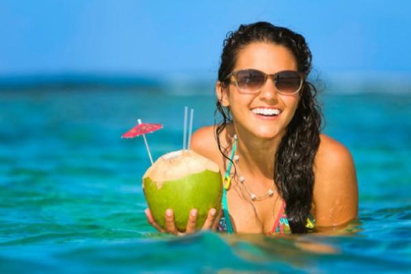 Nước dừa cung cấp năng lượng tối ưu, bảo vệ hệ miễn dịch của cơ thể - nước dừa có tác dụng gì