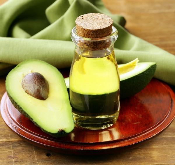 Sử dụng dầu oliu và bơ xay nhuyễn làm mặt nạ giúp tái tạo da - Tác dụng của dầu oliu