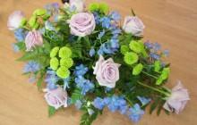 3 cách cắm hoa hồng đẹp miễn chê luôn