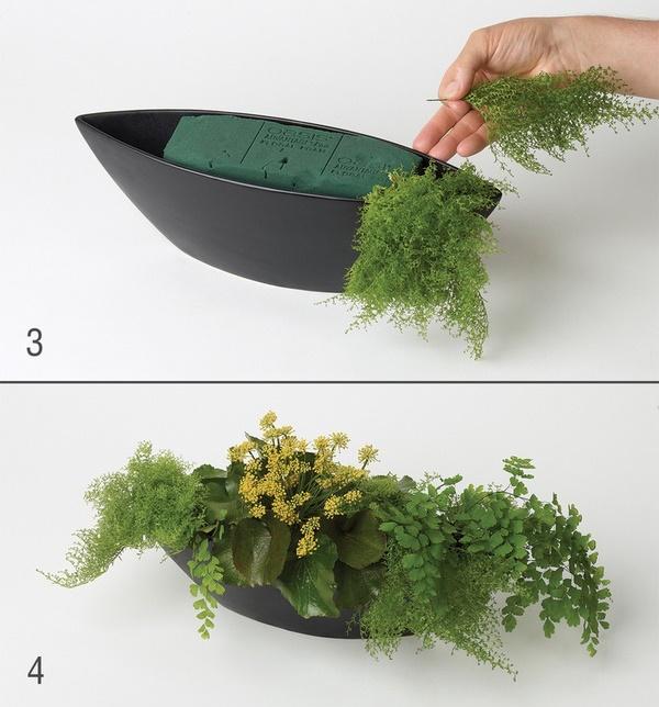 Chuẩn bị phần xốp và cành lá trang trí - cách cắm hoa ly tươi lâu