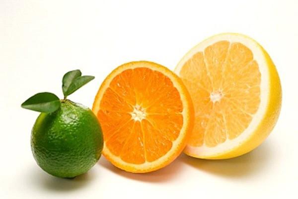 Bổ sung vitamin C để cơ thể tăng sức đề kháng - cách chữa bỏng nước sôi