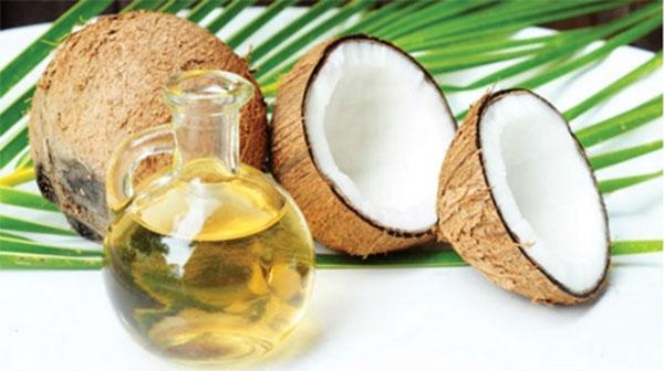 Dùng dầu dừa để chữa nhiệt miệng - cách chữa nhiệt miệng tại nhà