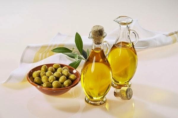 Dầu ô liu và dầu đinh hương chữa sâu răng - cách trị sâu răng tại nhà
