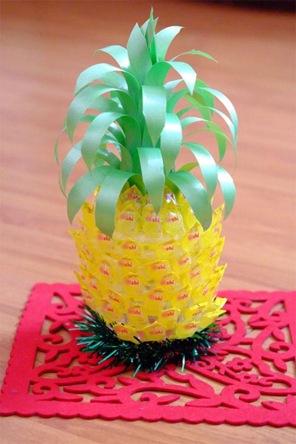 Trang trí quả dứa - cách làm quả dứa từ kẹo oishi