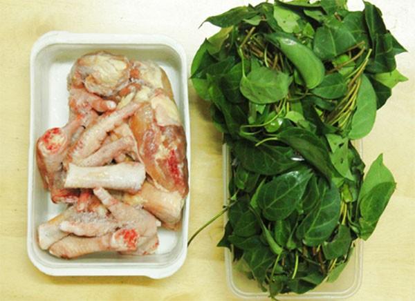 Chuẩn bị thịt gà và lá giang - cách nấu canh gà lá giang ngon
