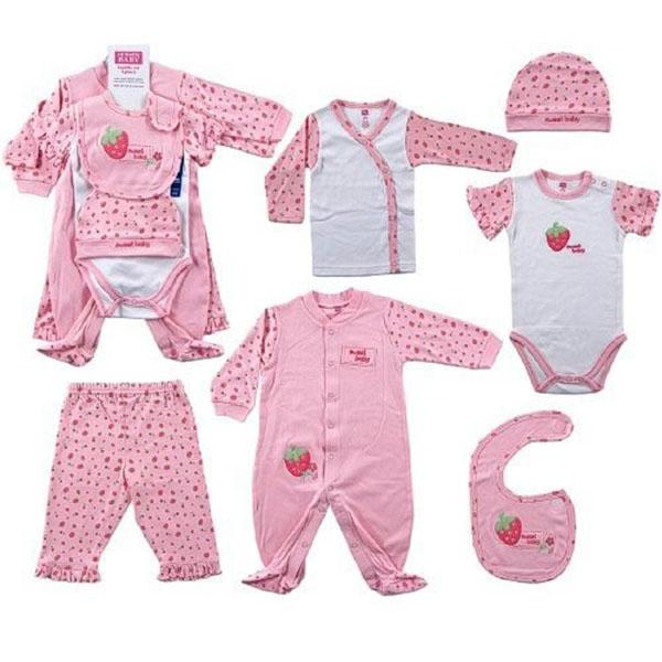 Không nên mặc quần áo quá dày cho trẻ khi trẻ khi tắm nắng - cách tắm nắng cho trẻ sơ sinh