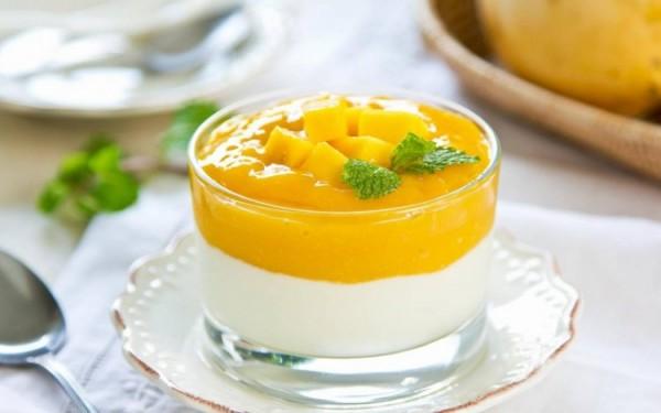 Món sinh tố xoài sữa chua mật ong - cach lam sinh to xoai