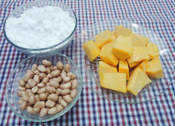 Nguyên liệu nấu chè bí đỏ đậu phộng - cách nấu chè bí đỏ đậu phộng