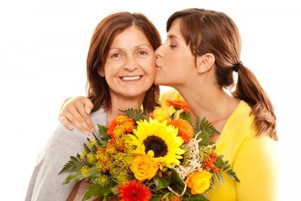 Gửi lời chúc phụ nữ 8 3 yêu thương nhất tới những người bà - lời chúc ngày 8 3