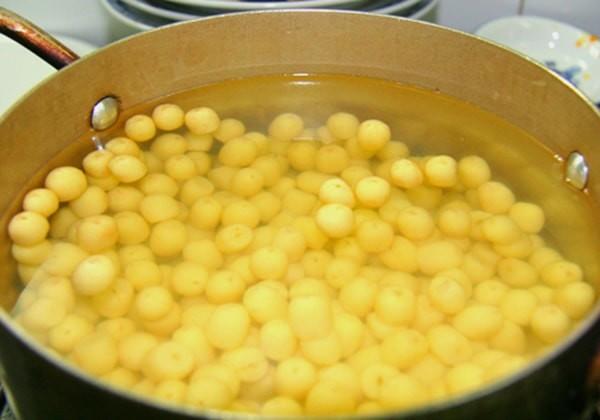 Hầm nhừ đậu xanh - cách nấu chè thưng ngon