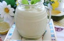 Cách làm sinh tố sữa chua mát lạnh tại nhà