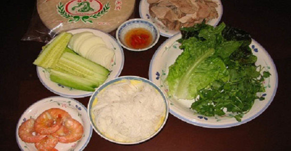 Chuẩn bị nguyên liệu làm gỏi cuốn tôm thịt gồm 3 tín đồ ăn - goi cuon tom thit