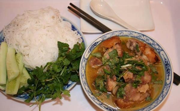 Món giả cầy thích hợp để ăn kèm bún hoặc cơm - nấu giả cầy ngon