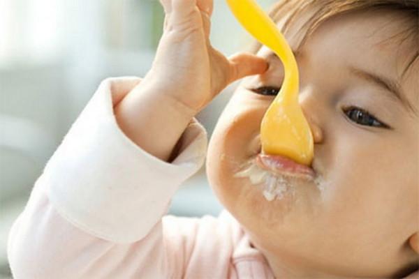 Váng sữa rất tốt cho sự phát triển của trẻ - cách làm váng sữa cho bé