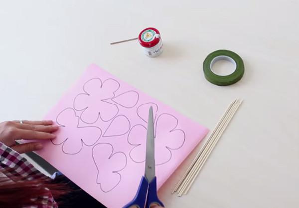 Vẽ cánh hoa - làm hoa bằng giấy