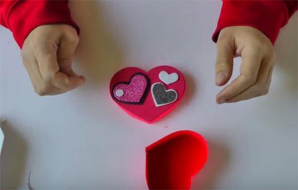 Hộp quà handmade hình trái tim - cach lam hop qua