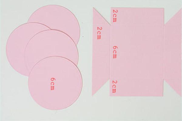 Chuẩn bị khung giấy hình vuông, hình tròn theo mẫu - hộp quà handmade