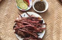 Cách làm thịt lợn gác bếp ngon dai hấp dẫn