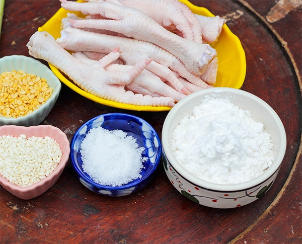 Nguyên liệu làm chân gà rang muối - chân gà rang muối