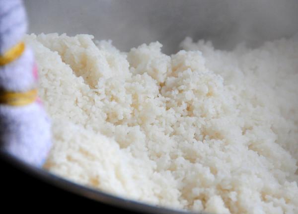 Cơm tấm nấu bằng nồi cơm điện - nau com tam