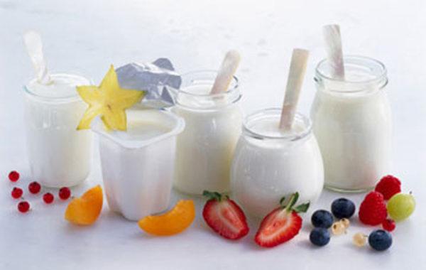 Kem sữa chua hoa quả - làm sữa chua uống