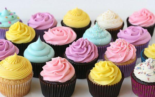 Bánh cupcake sinh nhật - lam banh cupcake