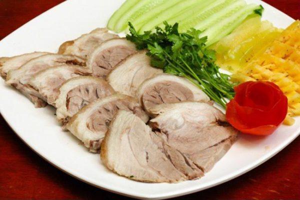 Cách luộc thịt đơn giản