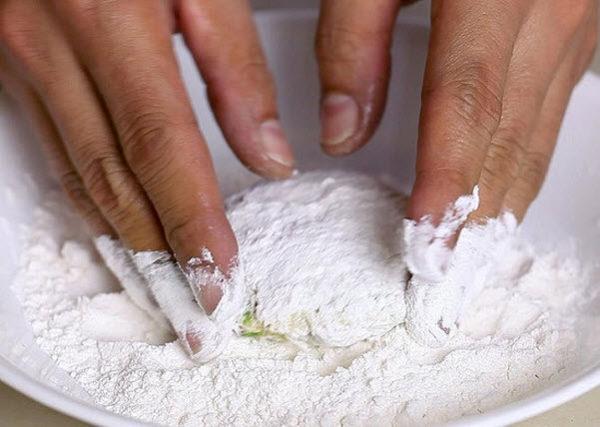 Cách làm chả cua đơn giản ngay tại nhà - cách làm chả cua bún riêu
